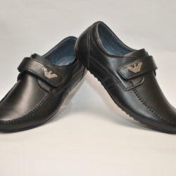 Стильные брендовые чёрные кожаные школьные туфли Armani на липучке для мальчика 36-41 размер. Верх и стелька - натуральная кожа, супинатор. Турция
