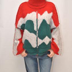 Стильный женский   свитер, Италия, размер универсальный. Мягкий, приятный к телу.